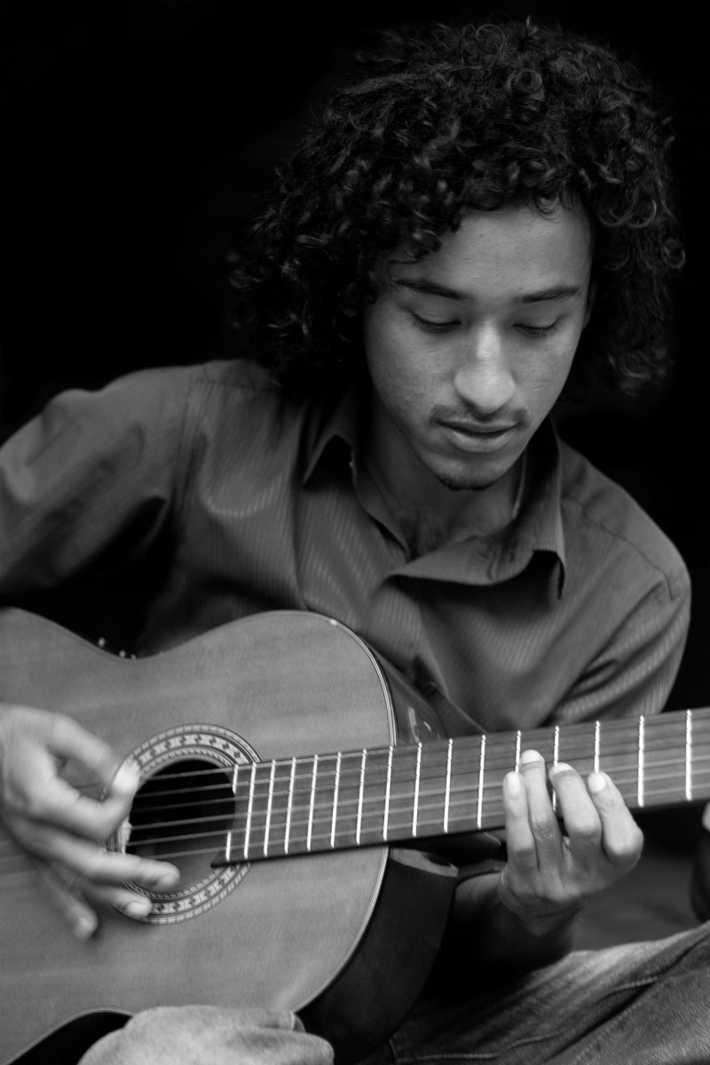 Wayu Hawa, very talented guitarist from Nepal, who came to perform with us during our fundraising campaign for the victim or the Nepal earthquake, in 2015. A big supporter, he composed a brand new song for our first album.